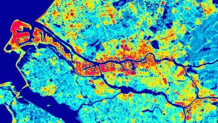 Rotterdam, termofoto che individua le aree a rischio Isola di calore nella città.