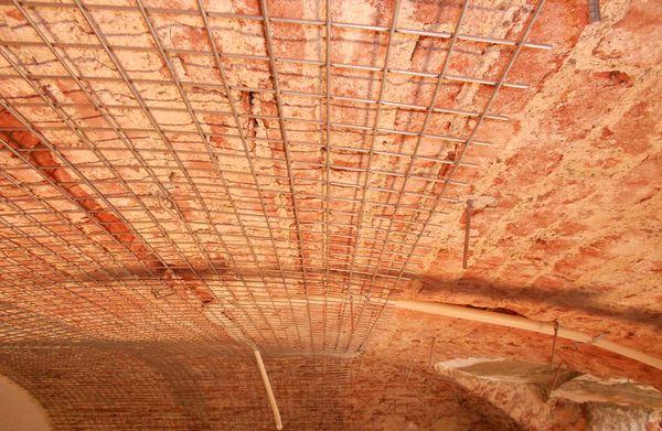 Villa Reale di Monza | Per le volte il consolidamento è avvenuto in due modalità differenti: con la rete elettrosaldata o con l'inserimento di piatti calandrati.