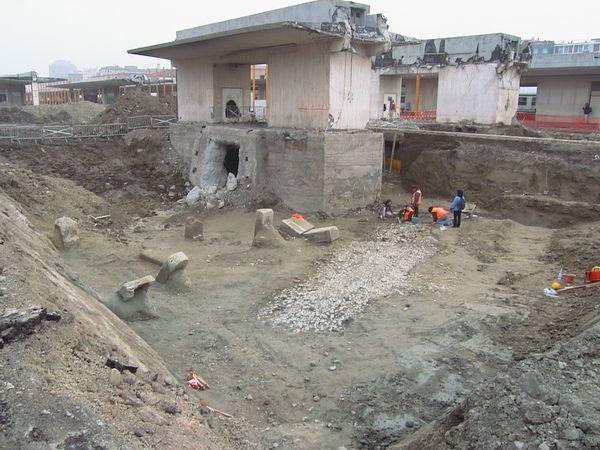 I rinvenimenti archeologici emersi durante le fasi preliminari di scavo.