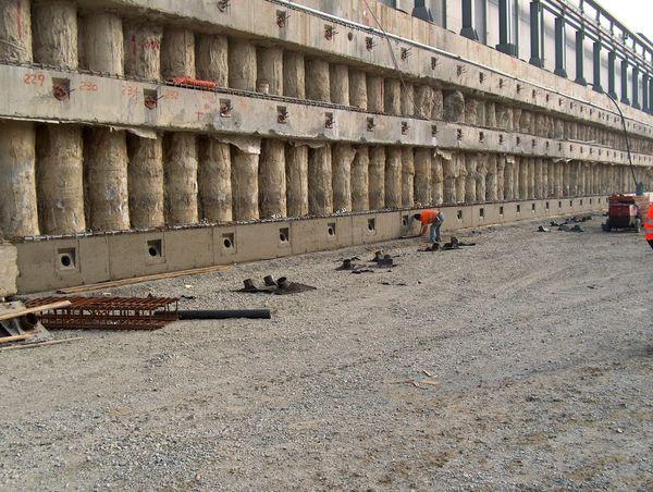 Opere perimetrali di sostegno degli scavi: paratoie di primo e secondo salto.