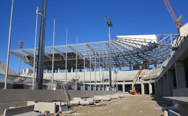 È apprezzabile l'avanzamento dei lavori tra agosto 2014 e gennaio 2015. A gennaio la struttura della curva nord risulta pressoché terminata e sono a buon punto anche i lavori della tribuna Est.