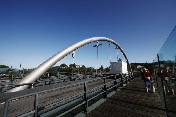 Ponte «Arco Malizia» realizzato in acciaio inossidabile duplex Arco a Siena. © Andrea Raffin – Industeel