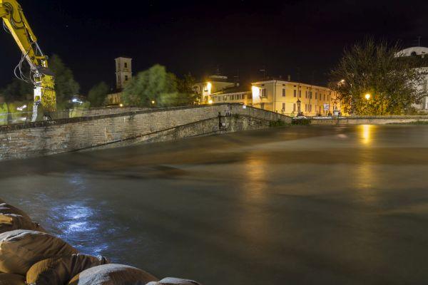 Il livello delle acque del torrente Parma a Colorno nell'ottobre 2014 (foto della Protezione civile Regione Emilia-Romagna).