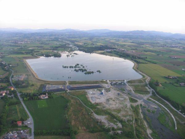La cassa di espansione del torrente Parma, che ha impedito l'allagamento del centro cittadino nell'ottobre 2014 (foto del Servizio Difesa del suolo, della costa e bonifica dell'Emilia-Romagna).