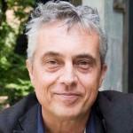 L'architetto Stefano Boeri (Milano 1956) è stato Assessore alla Cultura, Design e Moda del Comune di Milano; direttore delle riviste «Domus» e «Abitare»; è professore di Progettazione Urbanistica al Politecnico di Milano ed è stato Visiting Professor alle università di Harvard Gsd, al Berlage Institute, all'Ecole Politecnique de Lausanne e allo Strelka Institute di Mosca.