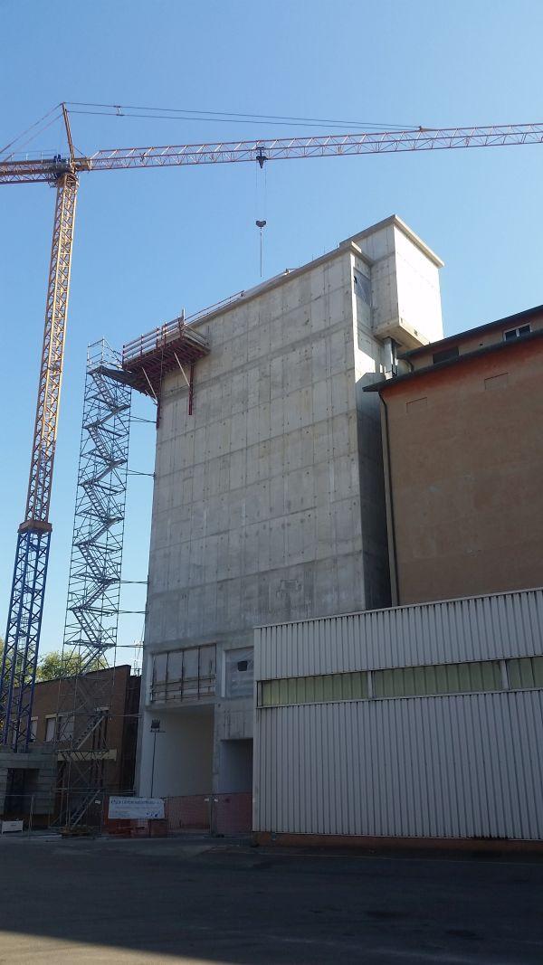 Il nuovo mulino per lo stoccaggio di farine vegetali costruito a Modena.