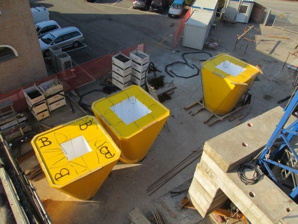 Sono 19 gli elementi in polistirene ad alta densità utilizzati per la casseratura interna delle tramogge di carico: per facilitarne il trasporto sono stati consegnati suddivisi in 4 parti componibili.
