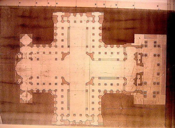 Pianta del Pantheon nella sua forma originaria con le finestre poi tamponate: da notare l'esigua dimensione dei pilastri e il gran numero di colonne.