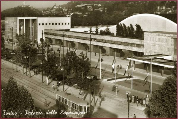Una cartolina d'epoca del Palazzo delle Esposizioni.