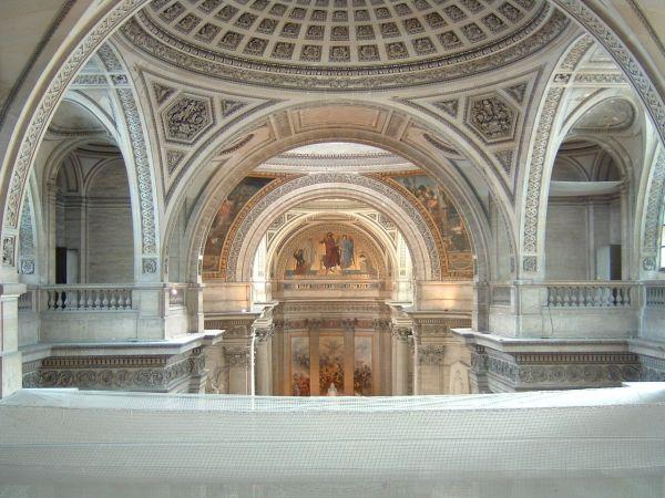 I plafonds, realizzati in lastre di pietra di circa 25 cm.