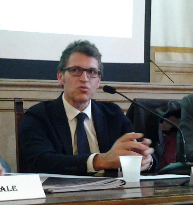 Luca Benetti | Direttore Stahlbau Pichler «In Italia le potenzialità dell'acciaio nel settore delle costruzioni sono quasi sconosciute, nelle nostre Università a farla da padrone è il calcestruzzo armato. Anche sul fronte delle maestranze di cantiere mancano professionalità adeguate in numero e conoscenze. C'è tantissimo da fare quindi sul fronte della promozione culturale e della formazione. Va anche detto che si sta comprendendo che l'acciaio non si utilizza solo nei grattacieli ma che è un driver di sviluppo anche nella cosiddetta edilizia diffusa fatta di residenziale, strutture ricettive, scuole…»
