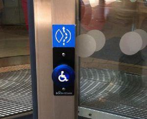Boon Edam ha sviluppato il sistema Autofolding Tourniket, per le situazioni in cui è necessario garantire l'accesso ai disabili a piccole lobby o ingressi.