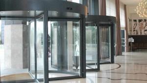 Porta girevole Tourniket di Boon Edam