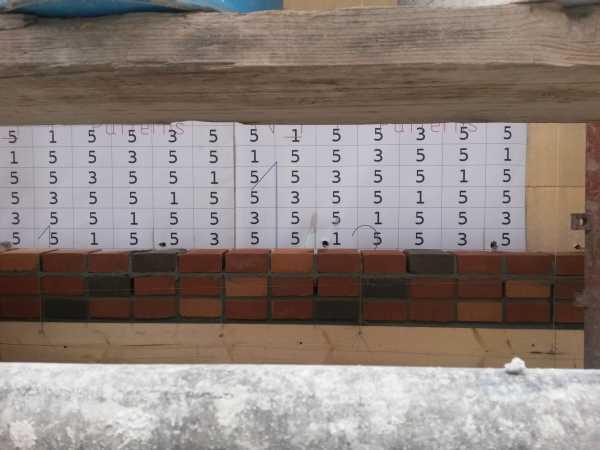 Per la posa delle facciate è stato realizzato un apposito casellario: a ogni numero corrisponde una precisa tipologia di mattone faccia a vista appositamente realizzata per il cantiere da SanMarco Terreal.