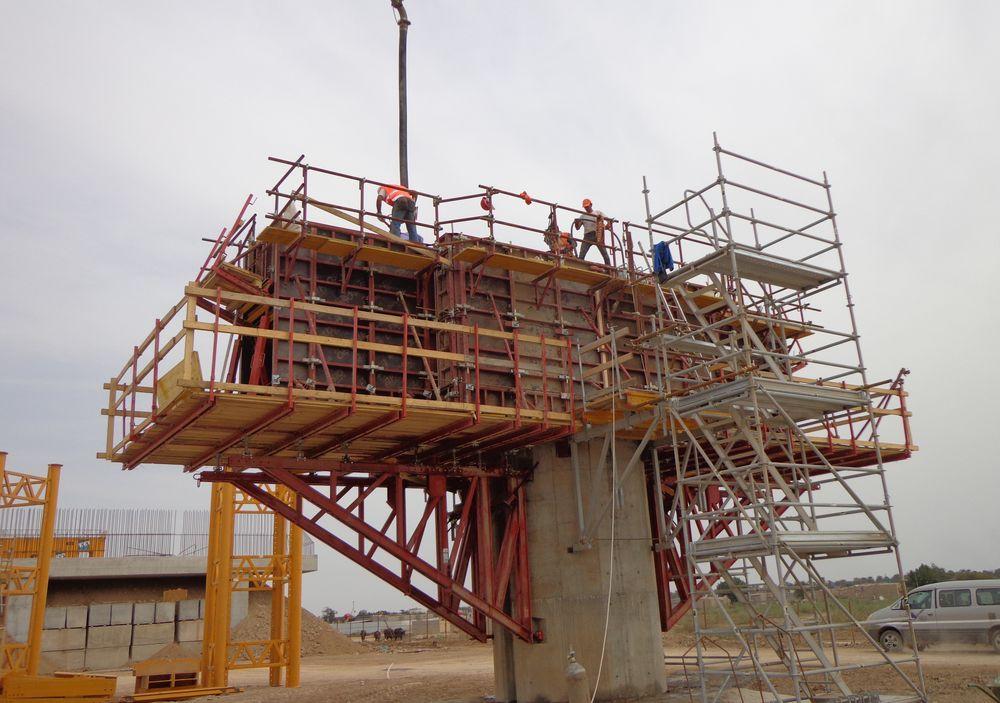 Pilosio in iraq per la costruzione di un ponte strallato for Piani di idee per la costruzione di ponti