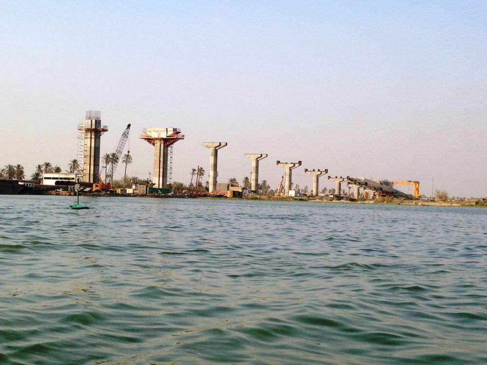Il ponte denominato «The Martyr Mohammed Baquir Al-Aadr» ha una lunghezza totale di 1188 m.
