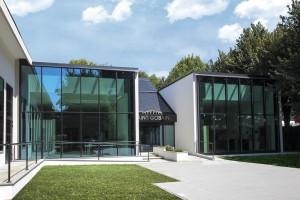 Habitat Lab, edificio laboratorio di Corsico (Mi) con il quale il Gruppo promuove in Italia la sua visione dell'abitare e un nuovo modo di costruire attento sia alla sostenibilità degli edifici sul piano energetico, dei materiali impiegati sia al benessere delle persone.