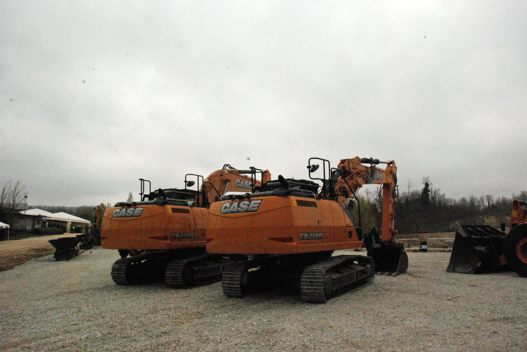 CX210D e CX230D: gli escavatori cingolati della Serie D per il mercato italiano presentati da Case alla giornata-evento di Albarola (Pc).