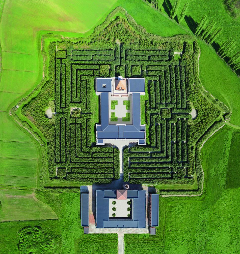 Foto aerea del complesso (© Carlo Vannini).