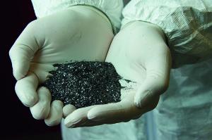 Sebbene si tratta di un materiale bidimensionale, il grafene viene prodotto in forma di polvere e utilizzato come additivo in numerosi materiali ( ©Directa Plus)