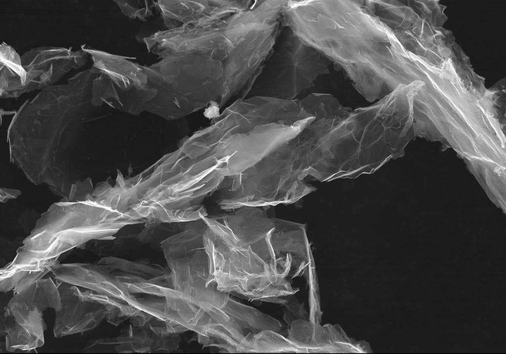 La struttura monoatomica bidimensionale del grafene lo rende un prodotto ideale per le applicazioni elettroniche e ottiche, ma con grandi potenzialità anche per campi più lontani come l'edilizia e la produzione di materiali (©Cheaptubes.com).