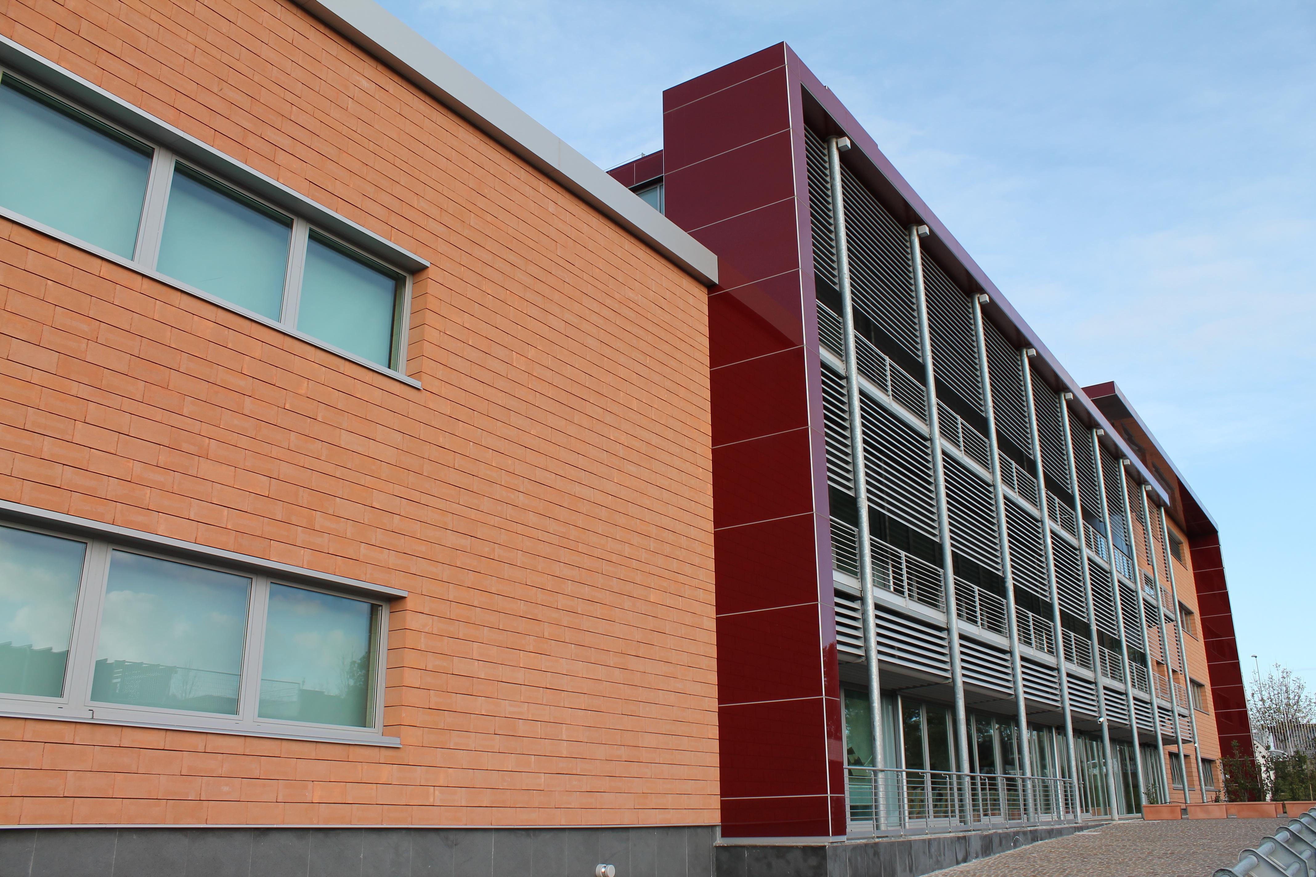Le facciate ventilate in cotto per l'università Campus Bio-Medico di Roma - Il Nuovo Cantiere