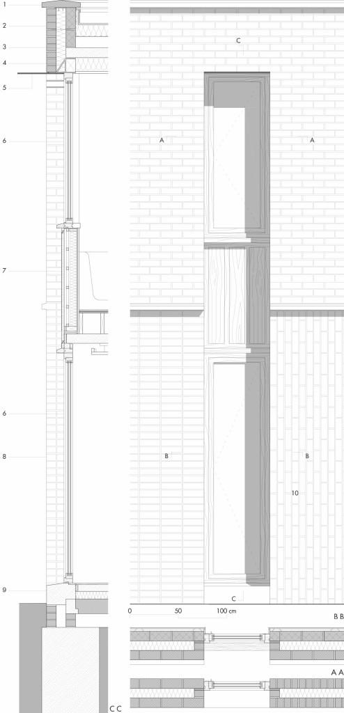 Dettaglio 3 | Prospetto e sezione verticale e orizzontali del fronte ovest in corrispondenza della finestratura a doppia altezza. Il fronte ovest presenta una finestratura a tutta altezza con telaio in rovere e vetrocamera che costituisce l'elemento di raccordo tra i tre diversi tipi di tessitura con i quali sono state realizzate le murature in laterizio. Legenda 1. copertina in calcestruzzo prefabbricato; 2. muratura in mattoni faccia a vista a corsi orizzontali; 3. isolamento 4. architrave metallica isolata; 5. frangisole in alluminio anodizzato; 6. finestra con telaio in quercia; 7. pannello in quercia isolato; 8. muratura in mattoni faccia a vista a corsi orizzontali e giunti allineati; 9. soglia in calcestruzzo prefabbricato; 10. muratura in mattoni faccia a vista a corsi verticali.