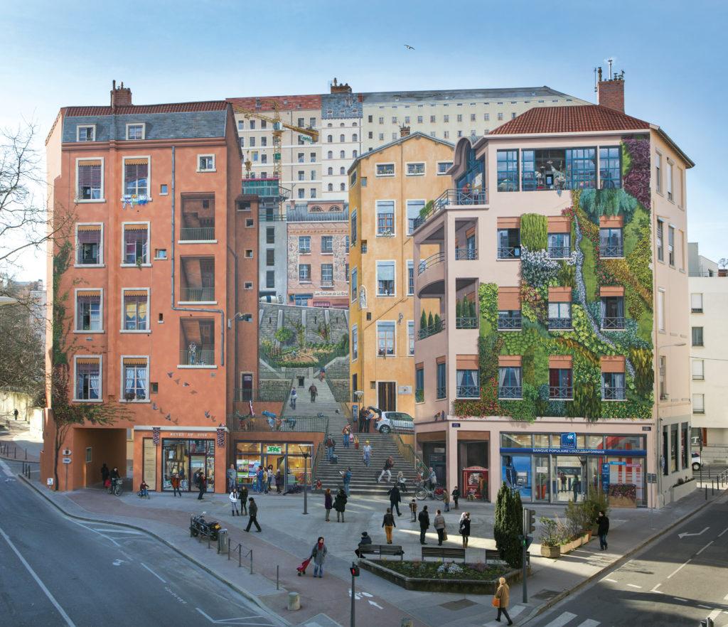 © Michel Djaoui | «Mur des Canuts», Lione, Francia. Il trompe l'oeil più grande d'Europa: 1.200 m² di estensione e impiego di 300 colori diversi del Gruppo Cromology.