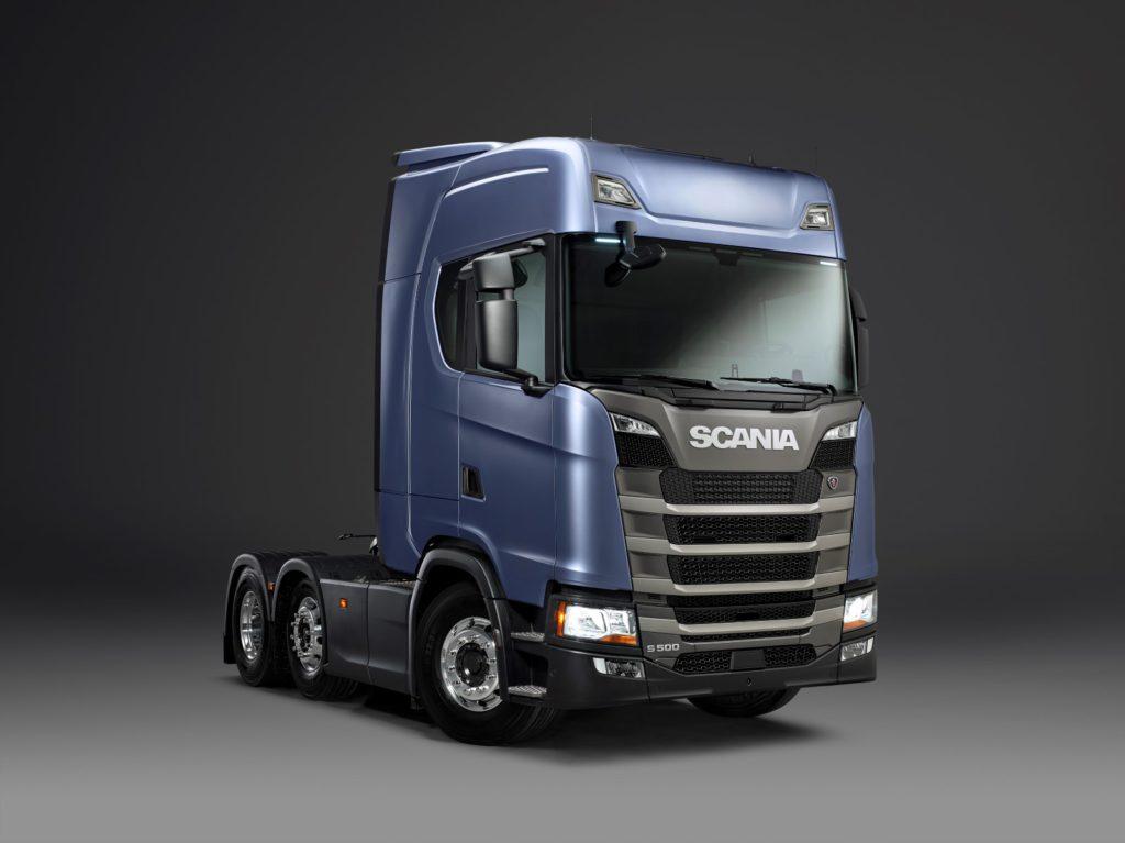 ©Göran Wink | Una volta introdotte tutte le versioni, la nuova generazione di veicoli Scania includerà non meno di 24 diverse varianti di cabina. La fotografia mostra un trattore con la nuova cabina R in configurazione normale.
