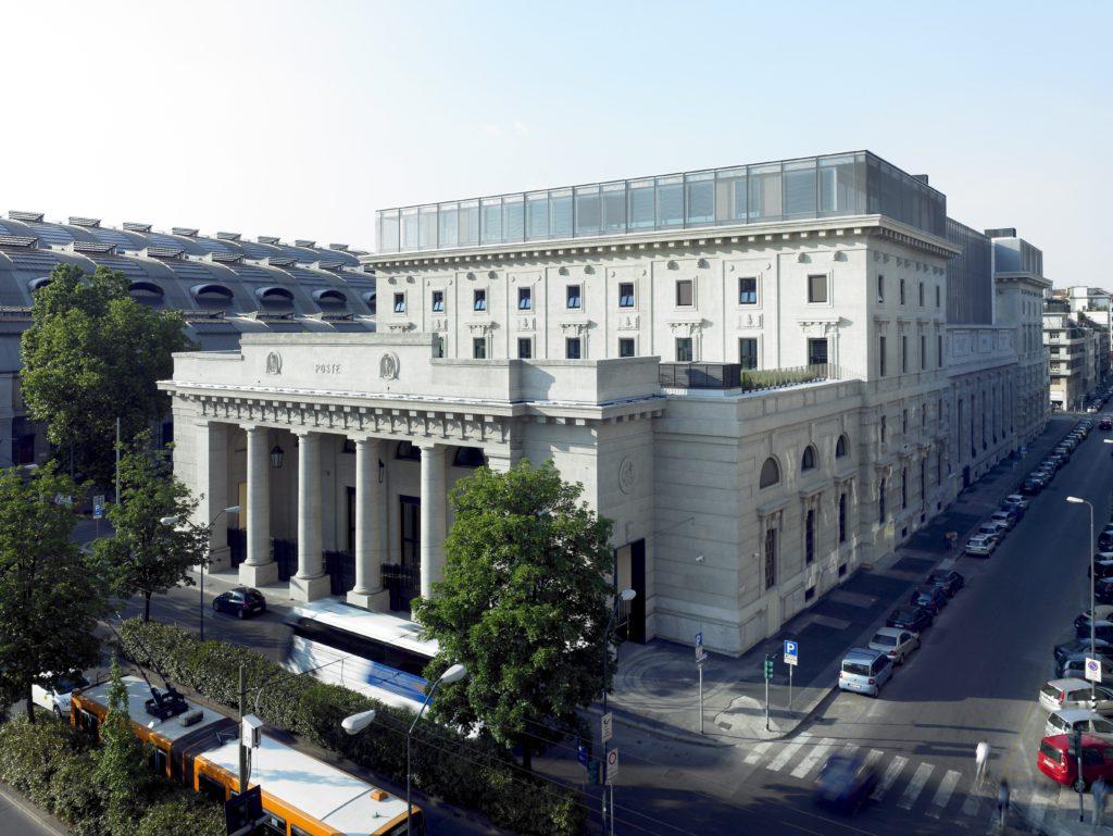 Figura 2. Ristrutturazione e ampliamento in acciaio della ex sede Poste via Ferrante Aporti, Milano.