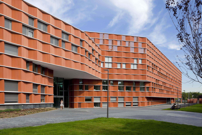 Architettura A Madrid per la nuova sede universitaria di madrid facciate ventilate